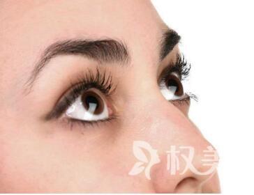上眼睑下垂矫正方法  威海李青整形医院上眼睑下垂矫正术的效果好吗