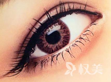 广州军美整形医院眼袋切除术术后效果自然美观