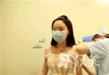 南宁思瑞整形医院假体隆胸案例  小胸妹子的救星