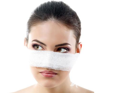 隆鼻手术危险吗 九江学院附属医院整形科隆鼻方法哪种好